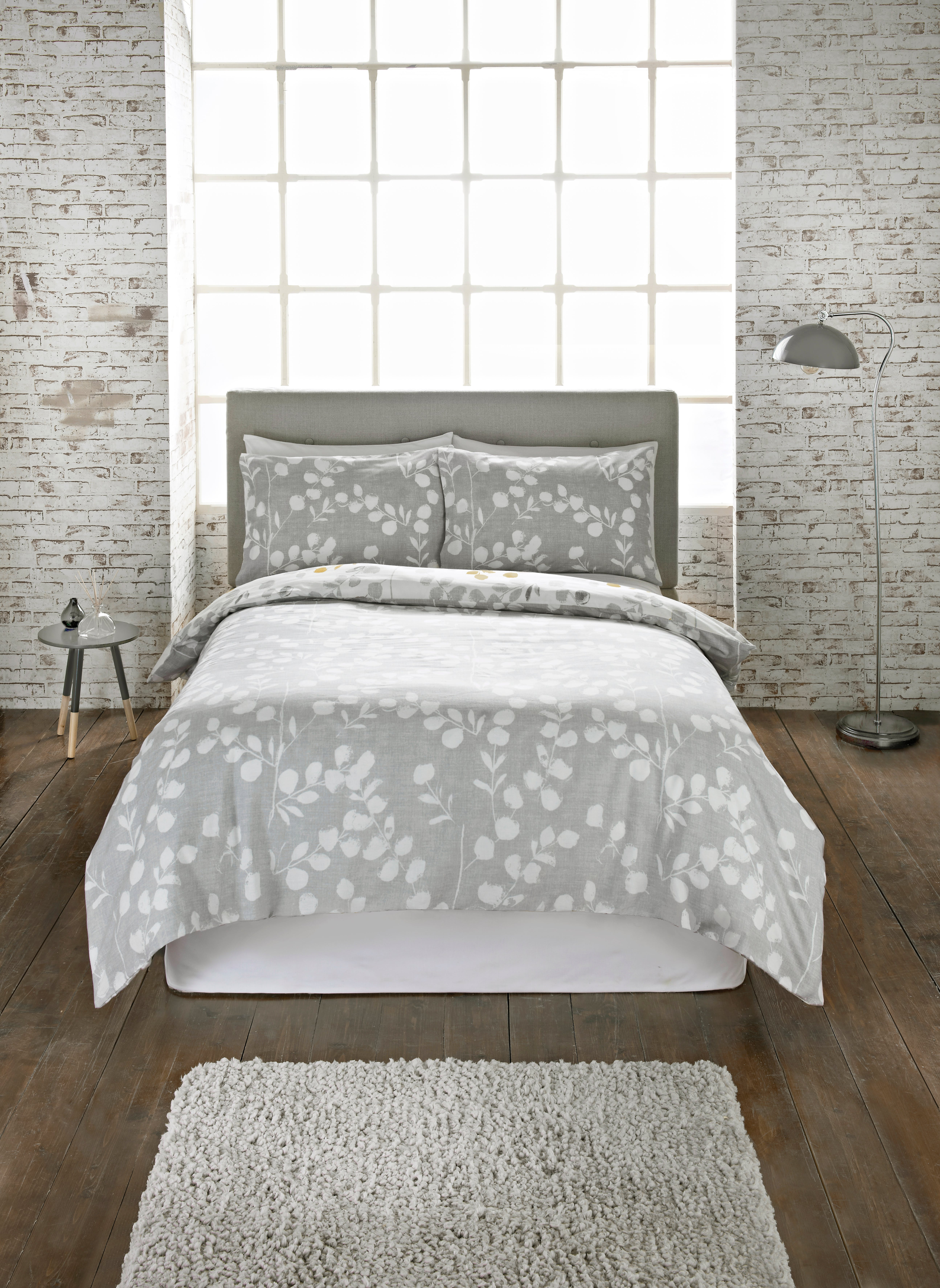 Pottery Barn's bed throws are irresistibly soft and comfortable. Shop blankets and add warmth to a bed or armchair. Skip Navigation • • • Go to First Slide Linen Bedding Velvet Bedding Cotton Bedding Silk Bedding Tencel® Bedding Sleepsmart ® Bedding Shop By Color.