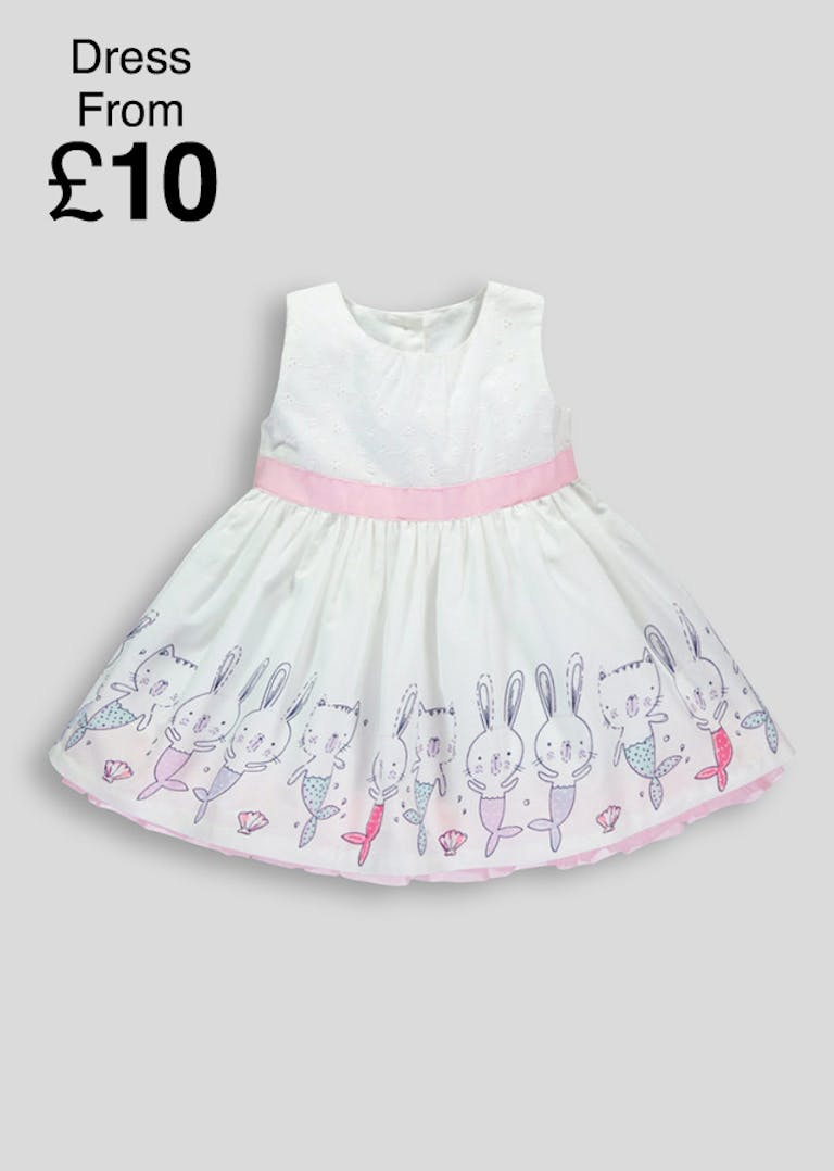 Shop Girls' Clothes at Matalan today and you will quickly discover our fantastic range of mini me clothes to match with your little one. The range also includes jumpers, dresses, coats and more in the latest fashions and trends. All our girls' clothes are available with Free click and collect.