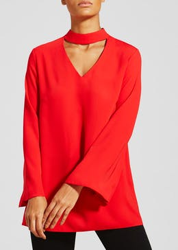 Maternity Clothing Mums-to-be don't have to fear frumpy fashion with boohoo's maternity range. Featuring a wide range of options from casual tees to on-trend dresses, staple maternity jeans and essential leggings, you're sure to find your style saviour.