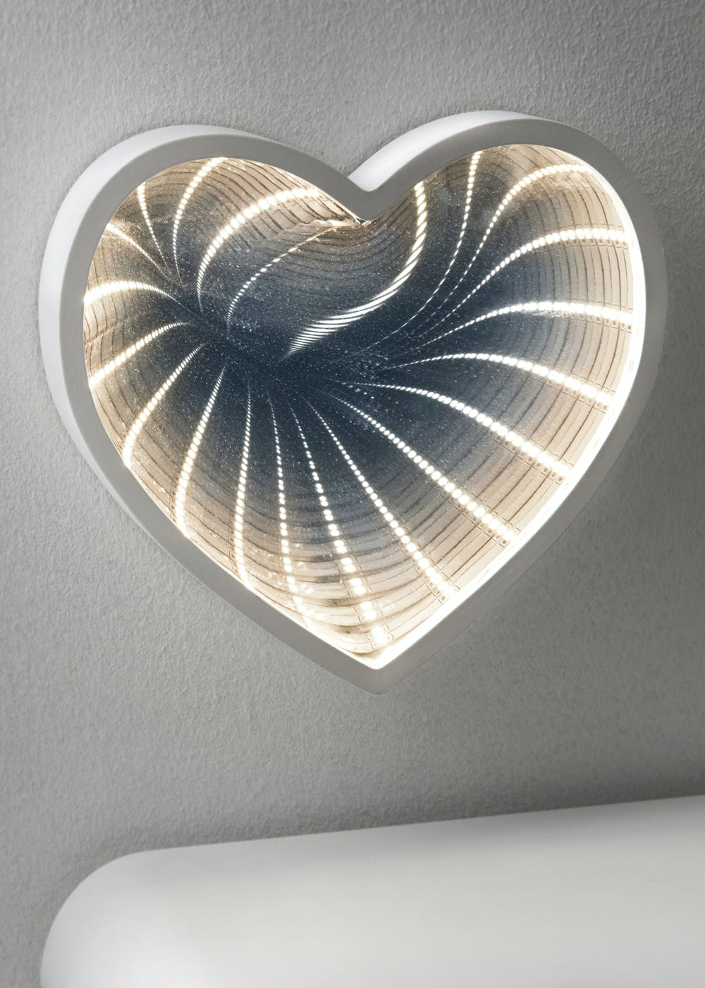Led Heart Infinity Mirror 13cm X 13cm White Matalan