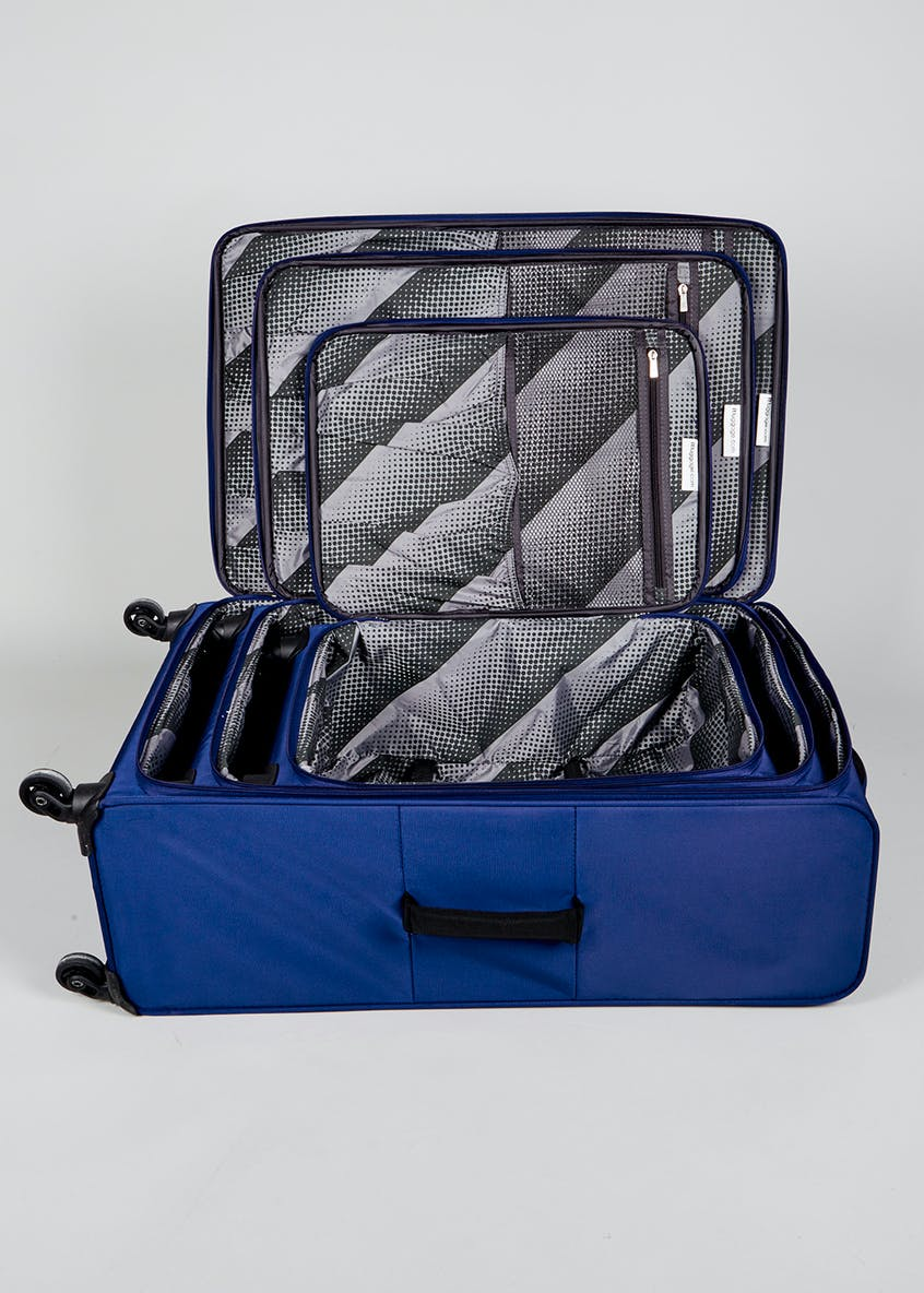 IT Luggage Lite-Zest Suitcase