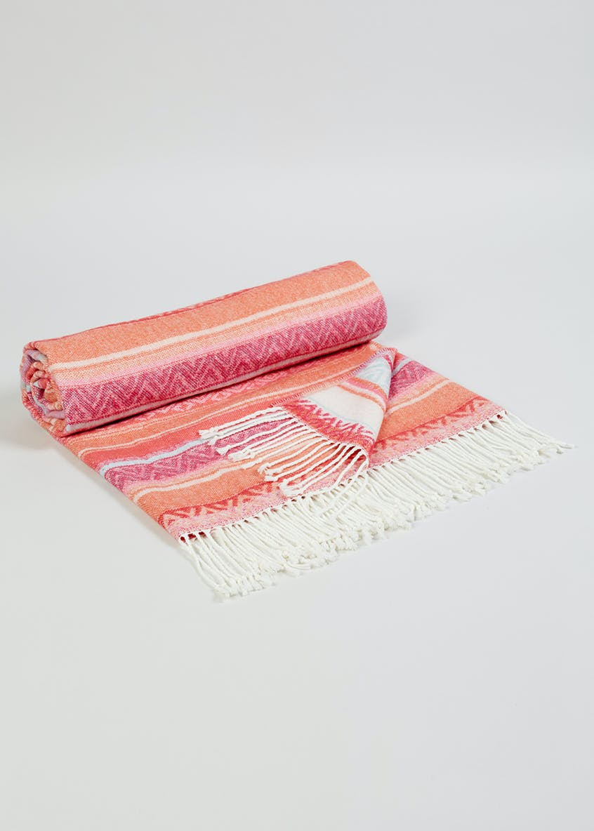 Patterned Woven Throw (180cm x 150cm)