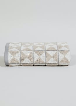 100% Cotton Geometric Towel (90cm x 50cm)