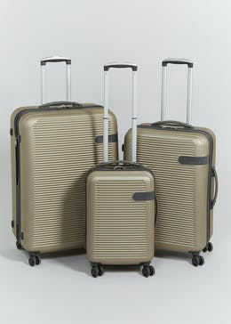 IT Luggage En-Vogue Suitcase