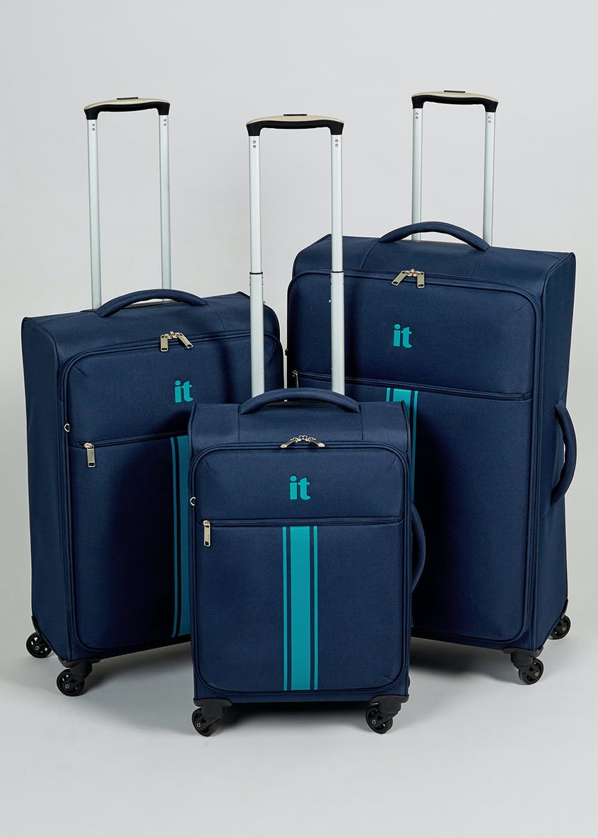 IT Luggage 4 Wheel Spinner Suitcase
