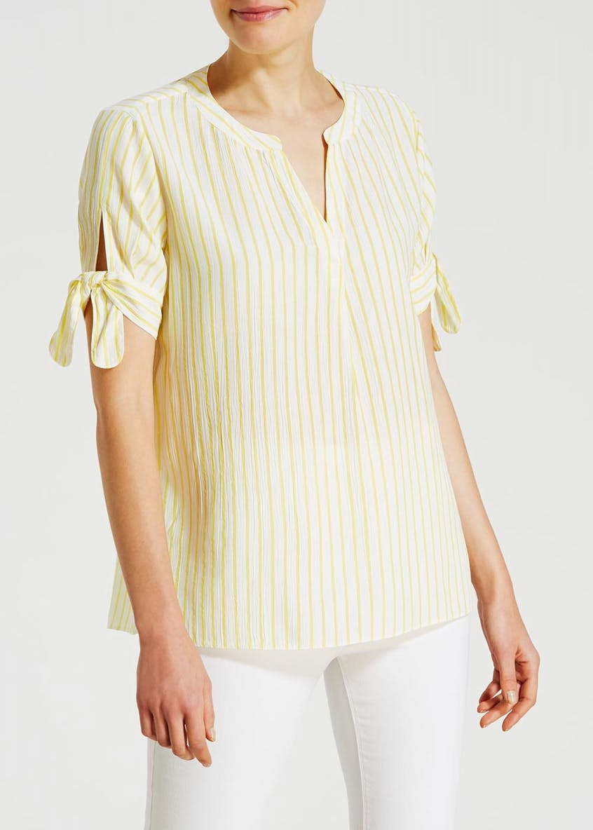 Short Sleeve Grandad Collar Crinkle Blouse