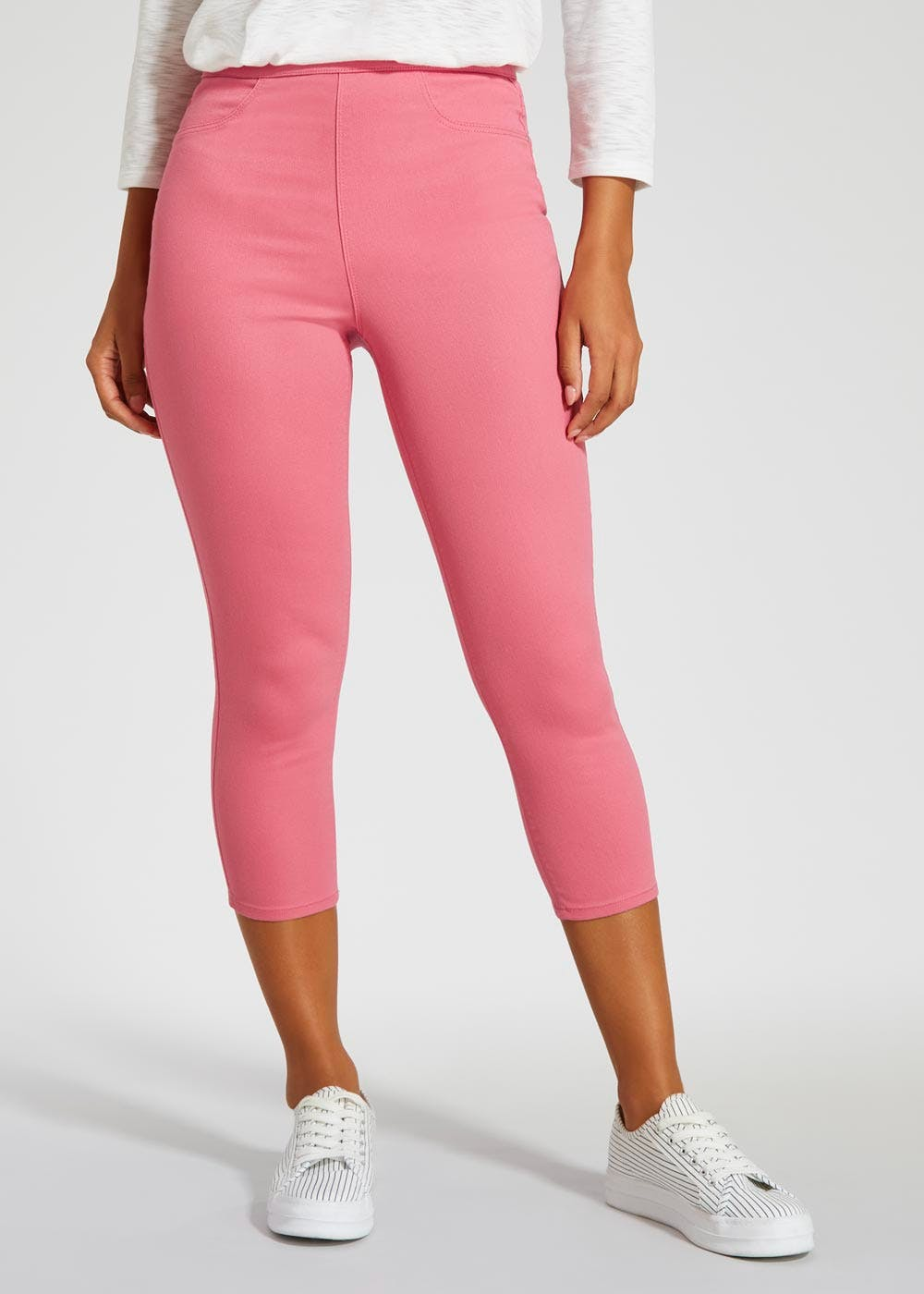 934f5514e3a5f Shoptagr | Rosie Cropped Jeggings by Matalan