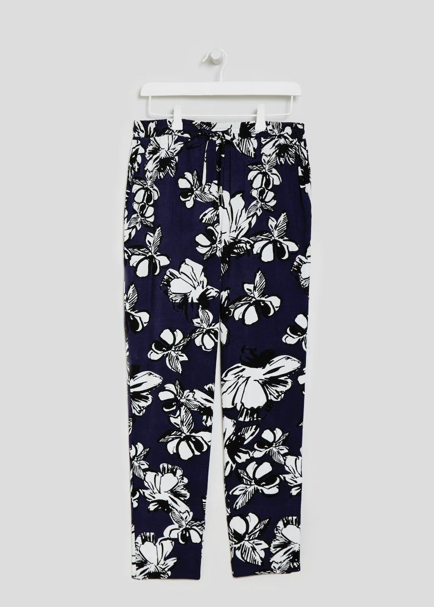 Leafy Palm Print Tapered Trousers
