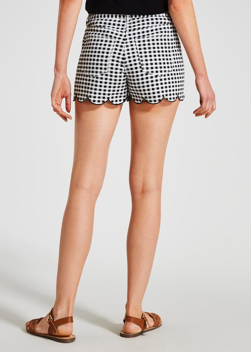 Gingham Scalloped Shorts