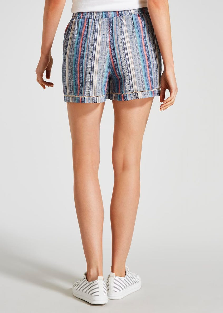 Textured Stripe Tassel Shorts