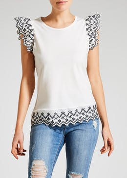 Contrast Schiffley Top