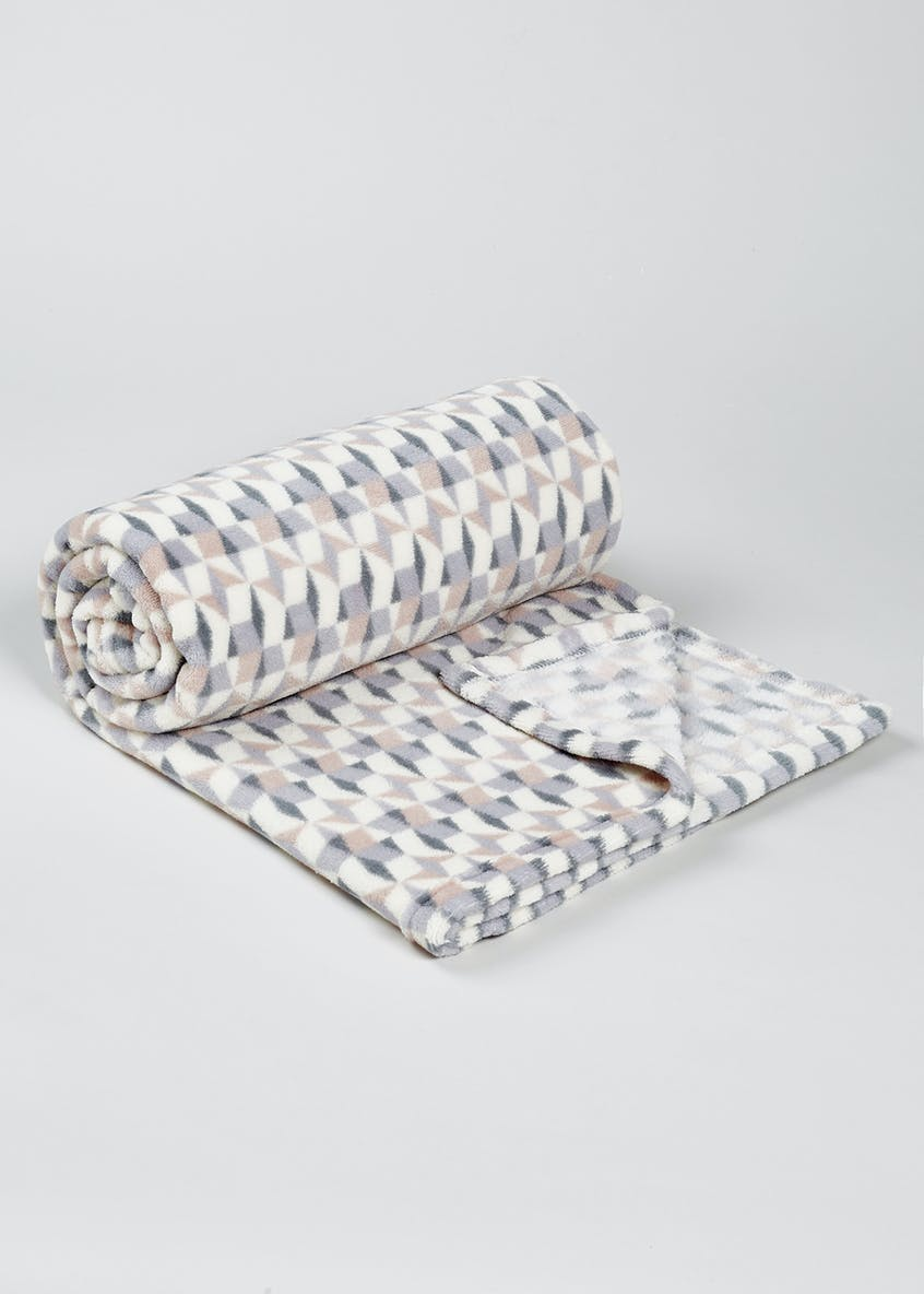 Geometric Sherpa Throw (150cm x 130cm)