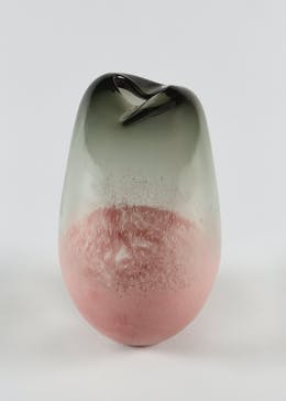 Ombre Glass Ornament Vase (18cm x 16cm)