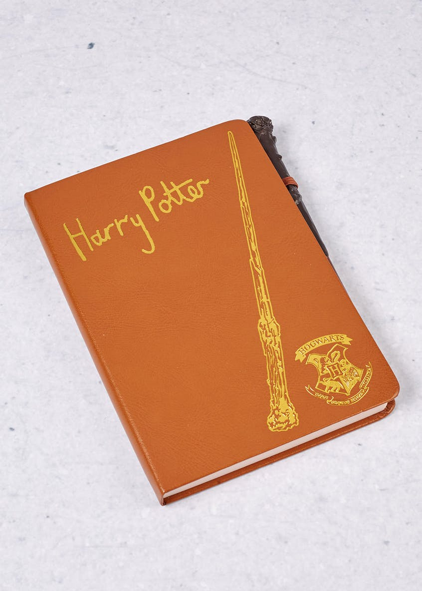 Harry Potter Notebook & Pen Gift Set (22cm x 15cm x 2cm)