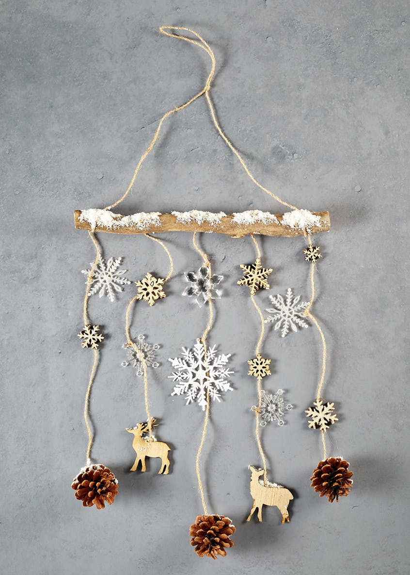 Pinecone Hanging Christmas Decoration (52cm x 37cm)