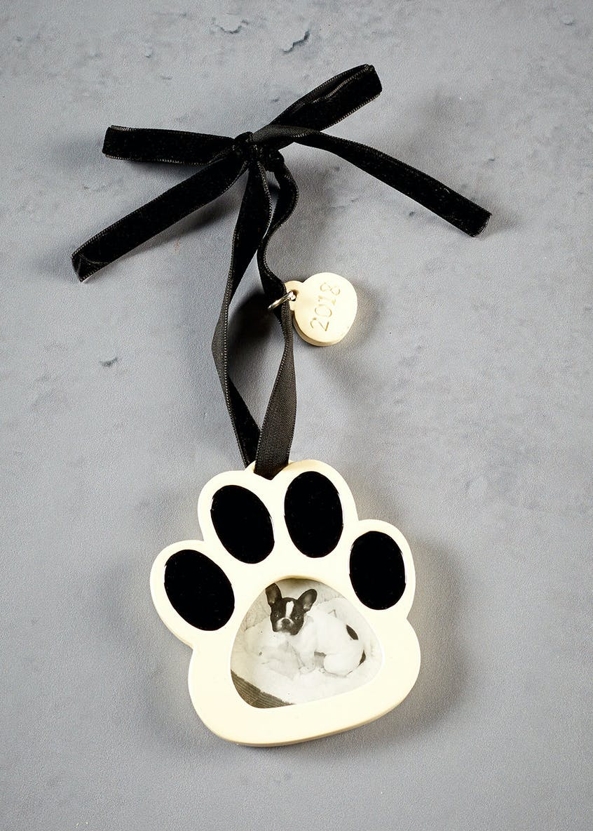 Hanging Paw Photo Frame Decoration (8cm x 8cm x 1cm)