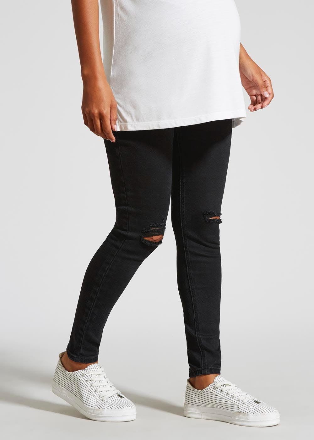 5353dbc0eee49 Maternity Over Bump Distressed Skinny Jeans – Black – Matalan