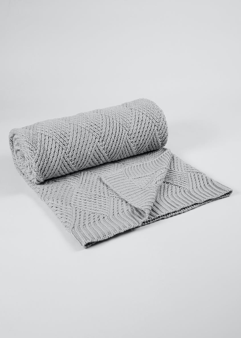 Knitted Diamond Throw (200cm x 130cm)