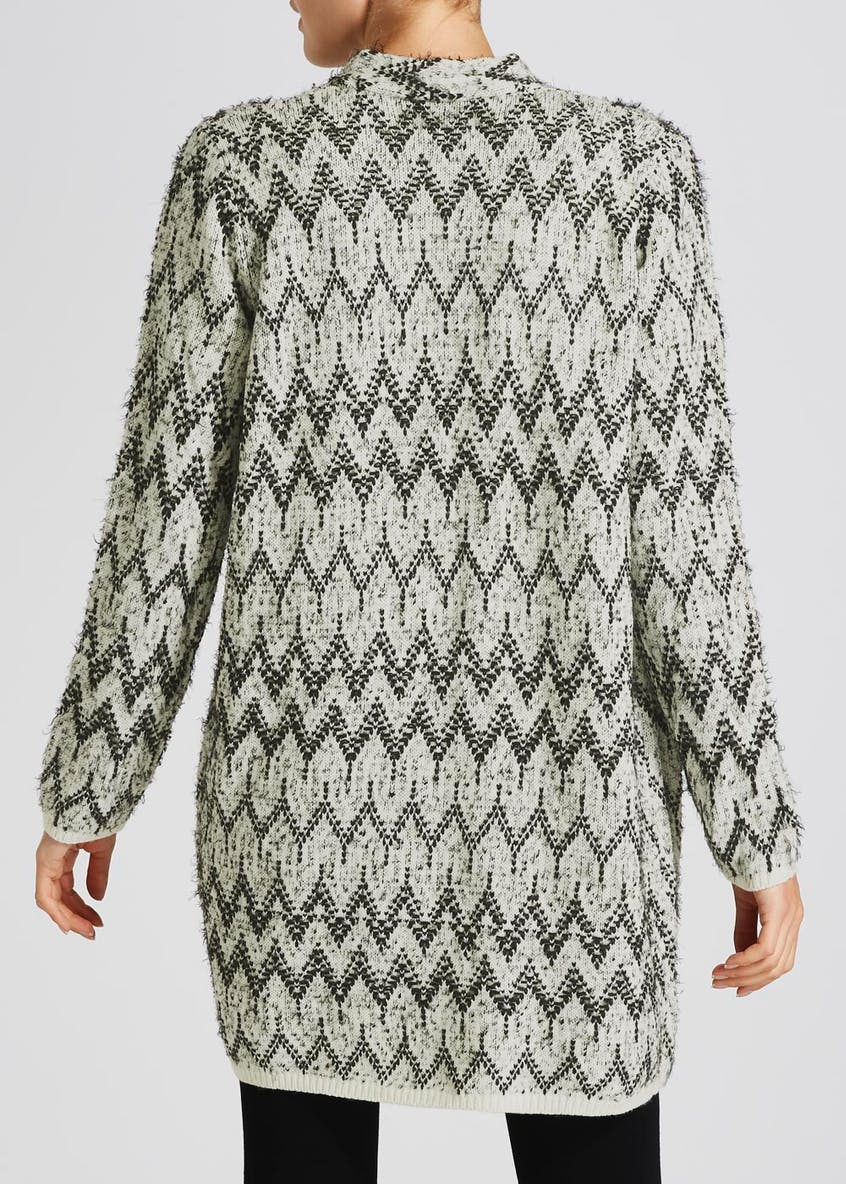 Zig Zag Fluffy Edge to Edge Cardigan