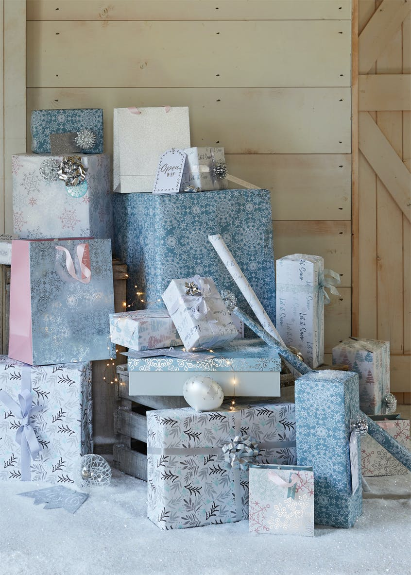 Let It Snow Christmas Wrapping Paper & Gift Tag Set