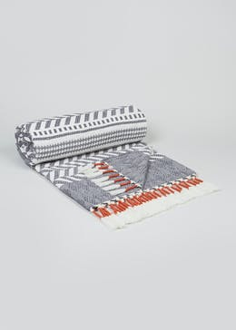 Patterned Tassel Throw (170cm x 130cm)
