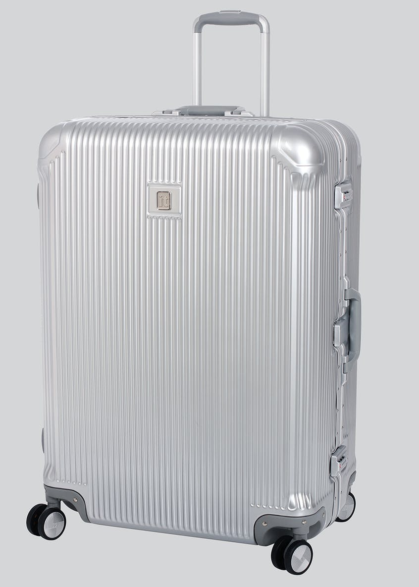 IT Luggage Crusader Suitcase
