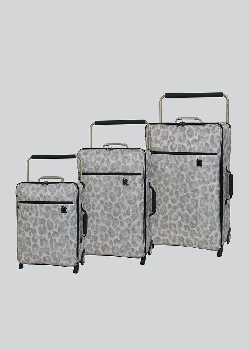 IT Luggage World's Lightest Wide Handle Suitcase