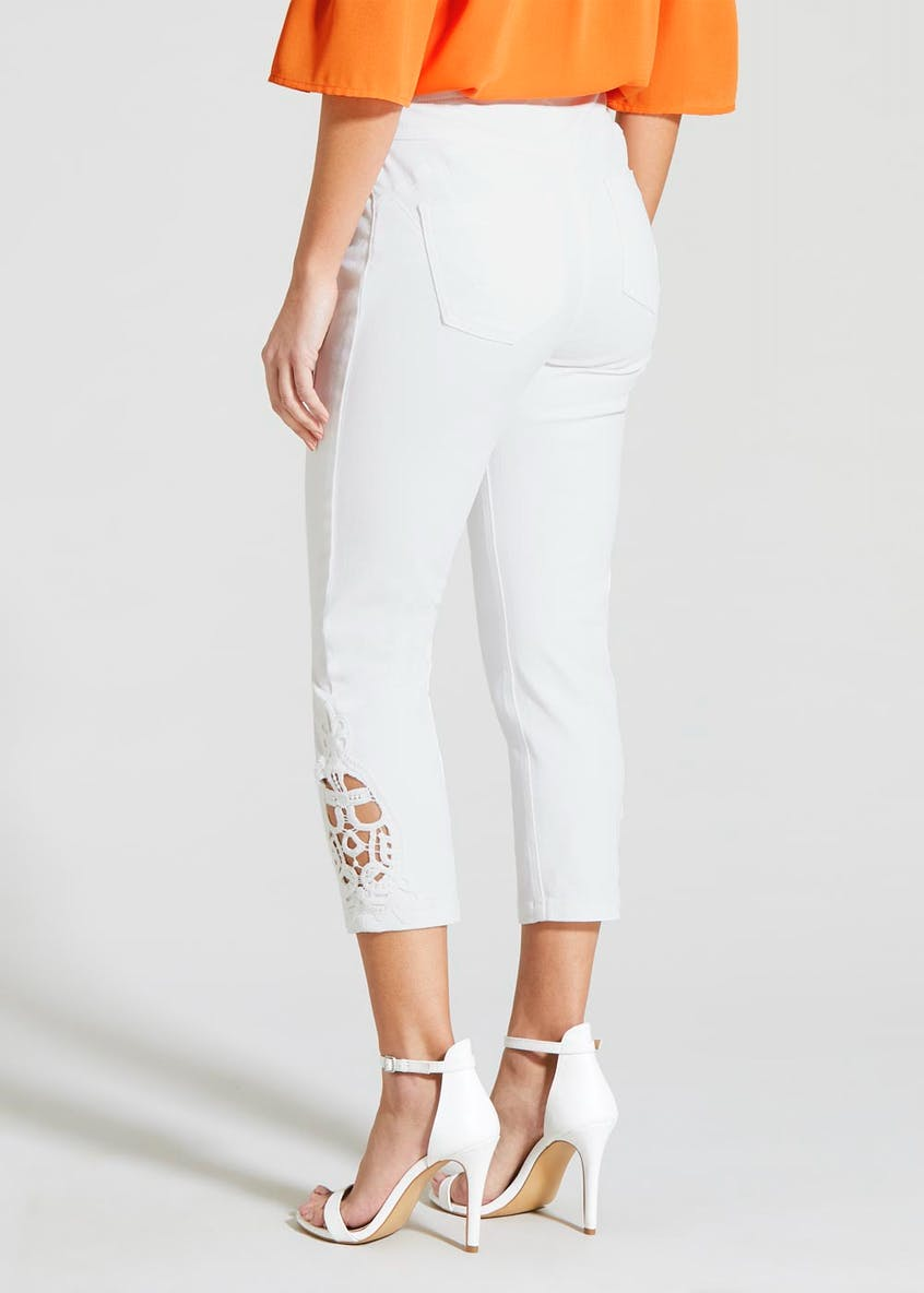 Soon Lace Hem Cropped Jeans