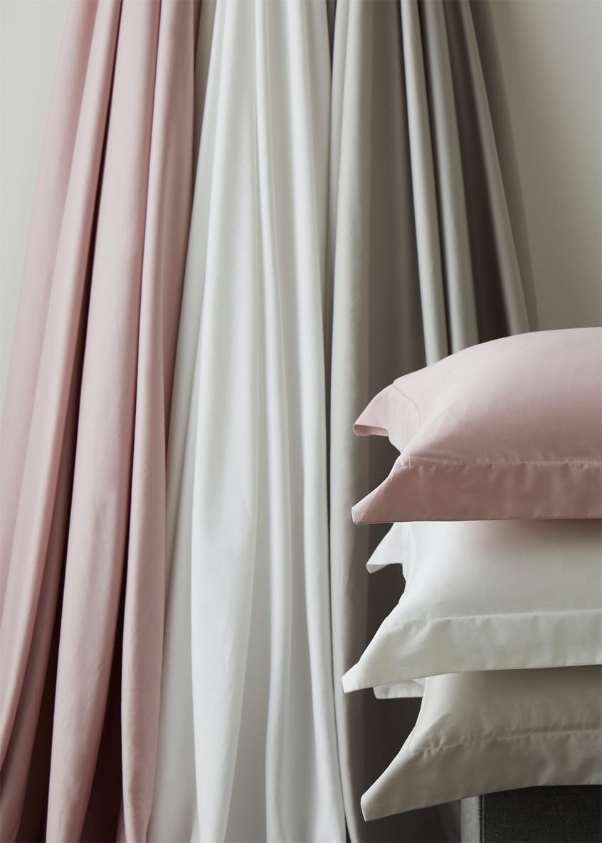 Farhi by Nicole Farhi 100% Cotton Housewife Pillowcase Pair (400 Thread Count)