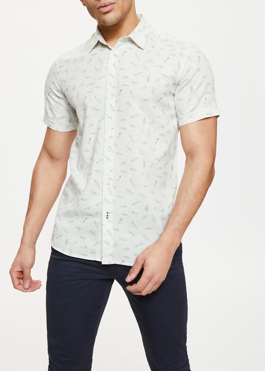 Short Sleeve Feather Print Shirt