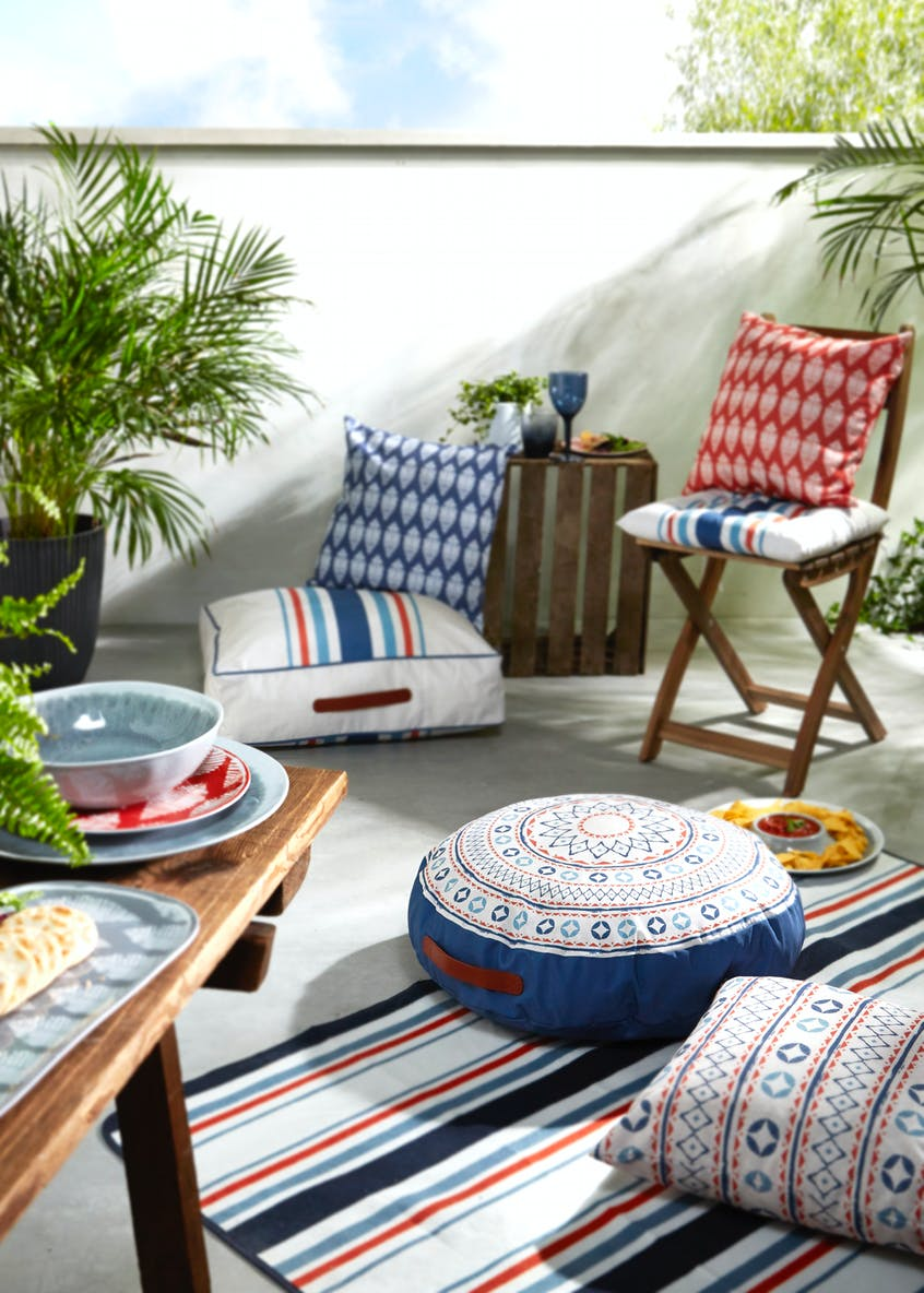 Printed Outdoor Cushion (43cm x 43cm)