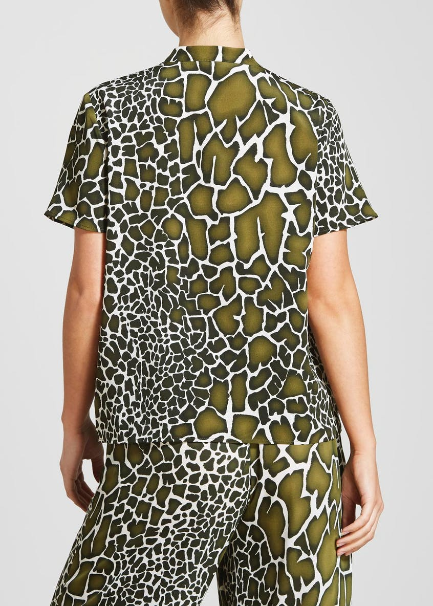 Khaki Short Sleeve Giraffe Print Co-Ord Blouse