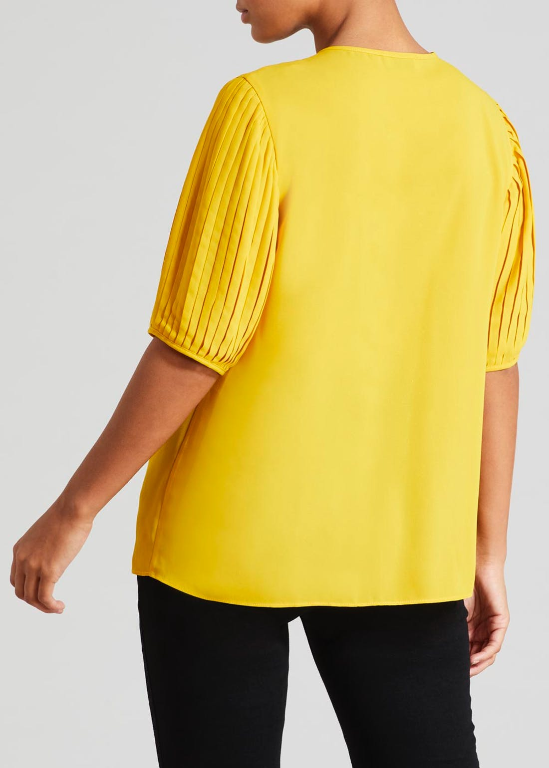 Soon Pleated Sleeve Blouse