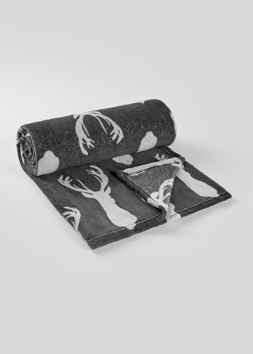 Stag Christmas Fleece Throw Blanket (150cm x 130cm)