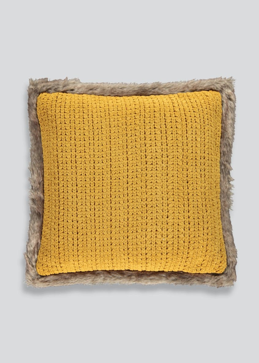 Chenille Knit Cushion with Faux Fur Trim (48cm x 48cm)