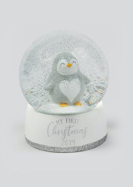 My First Christmas Snow Globe (10cm x 10cm x 13cm)