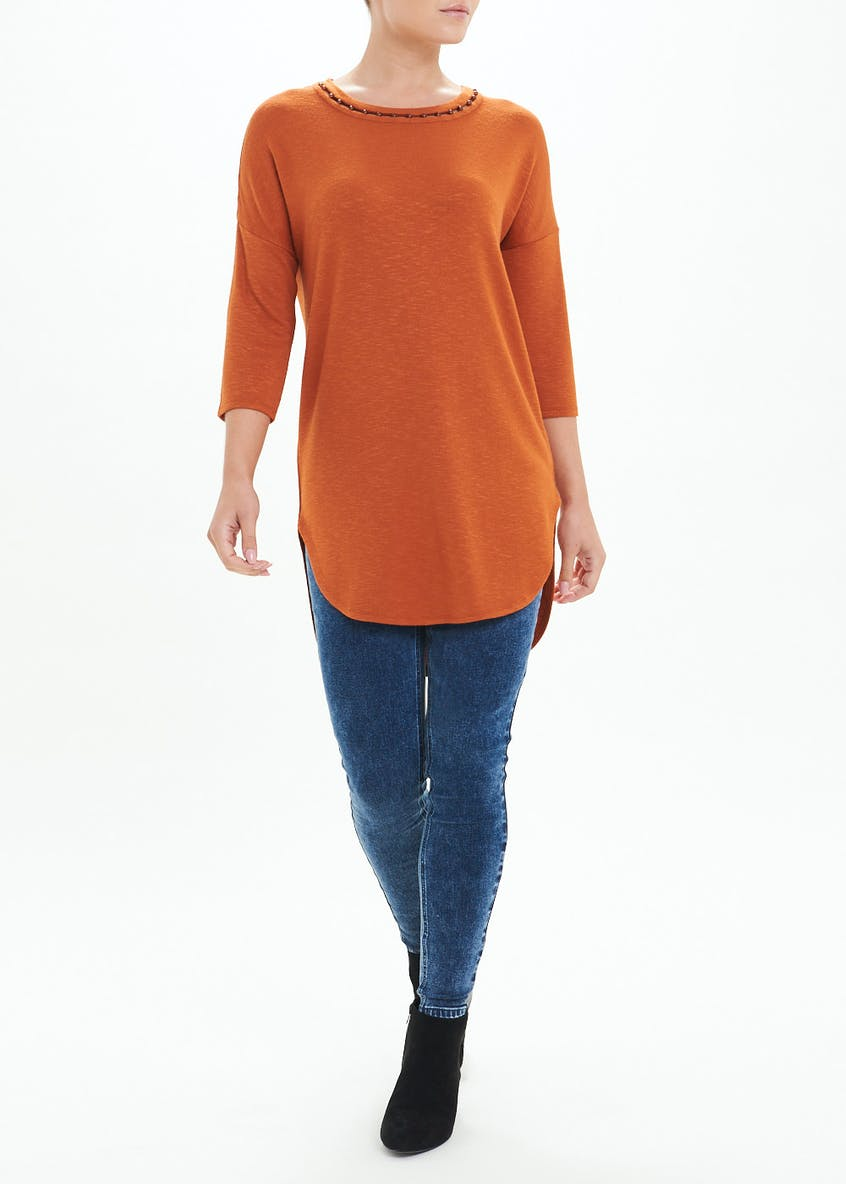3/4 Sleeve Longline Pearl Neck Top