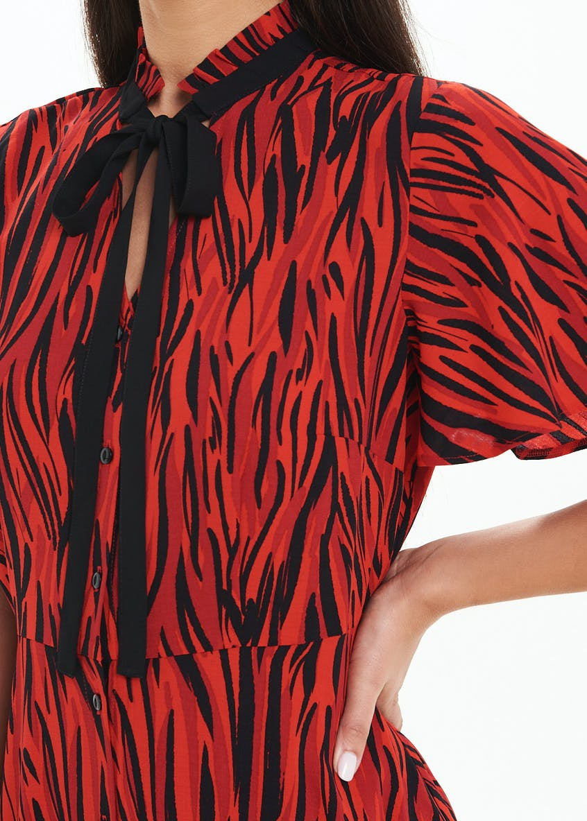Red Short Sleeve Zebra Tie Neck Midi Dress