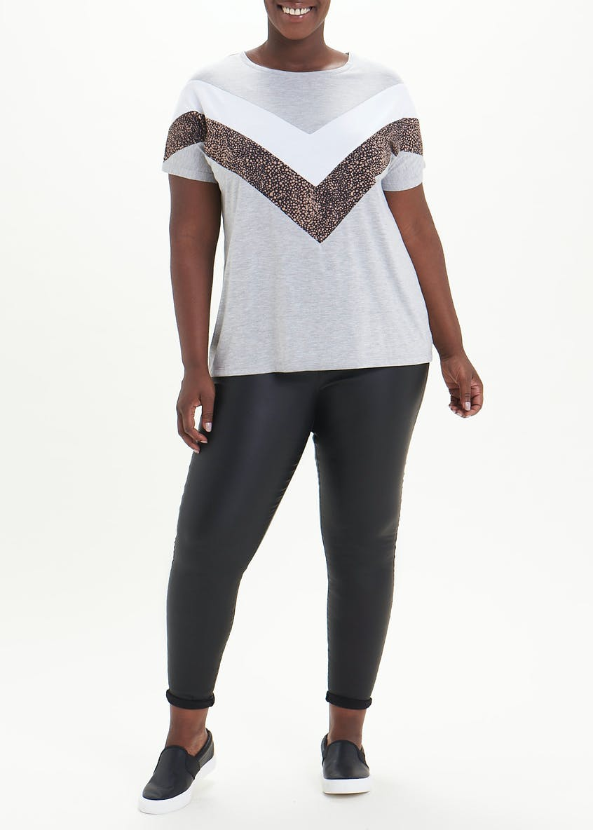 Papaya Curve Modern Basic T-Shirt