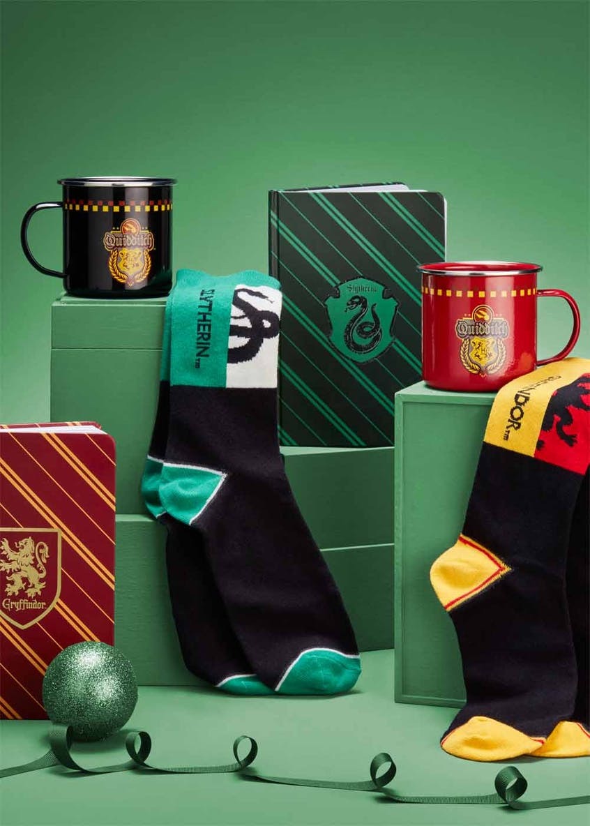Harry Potter Slytherin Mug & Socks Set (16cm x 12cm x 9cm)