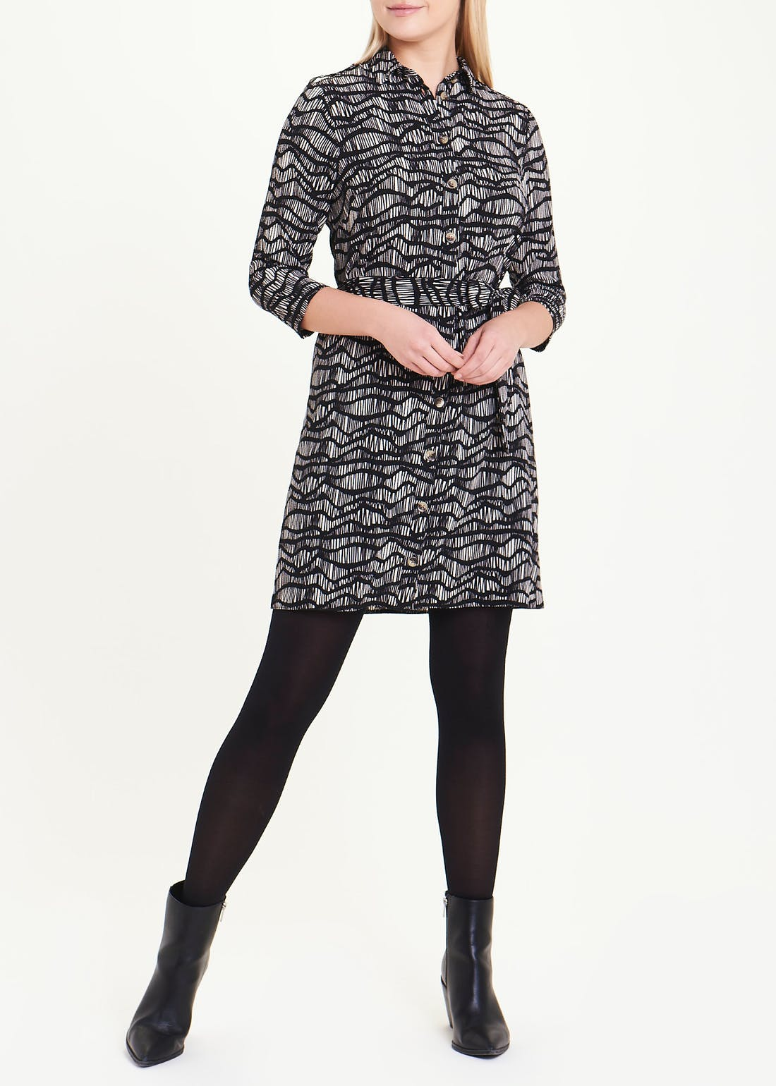 Black 3/4 Sleeve Sketched Wave Shirt Dress