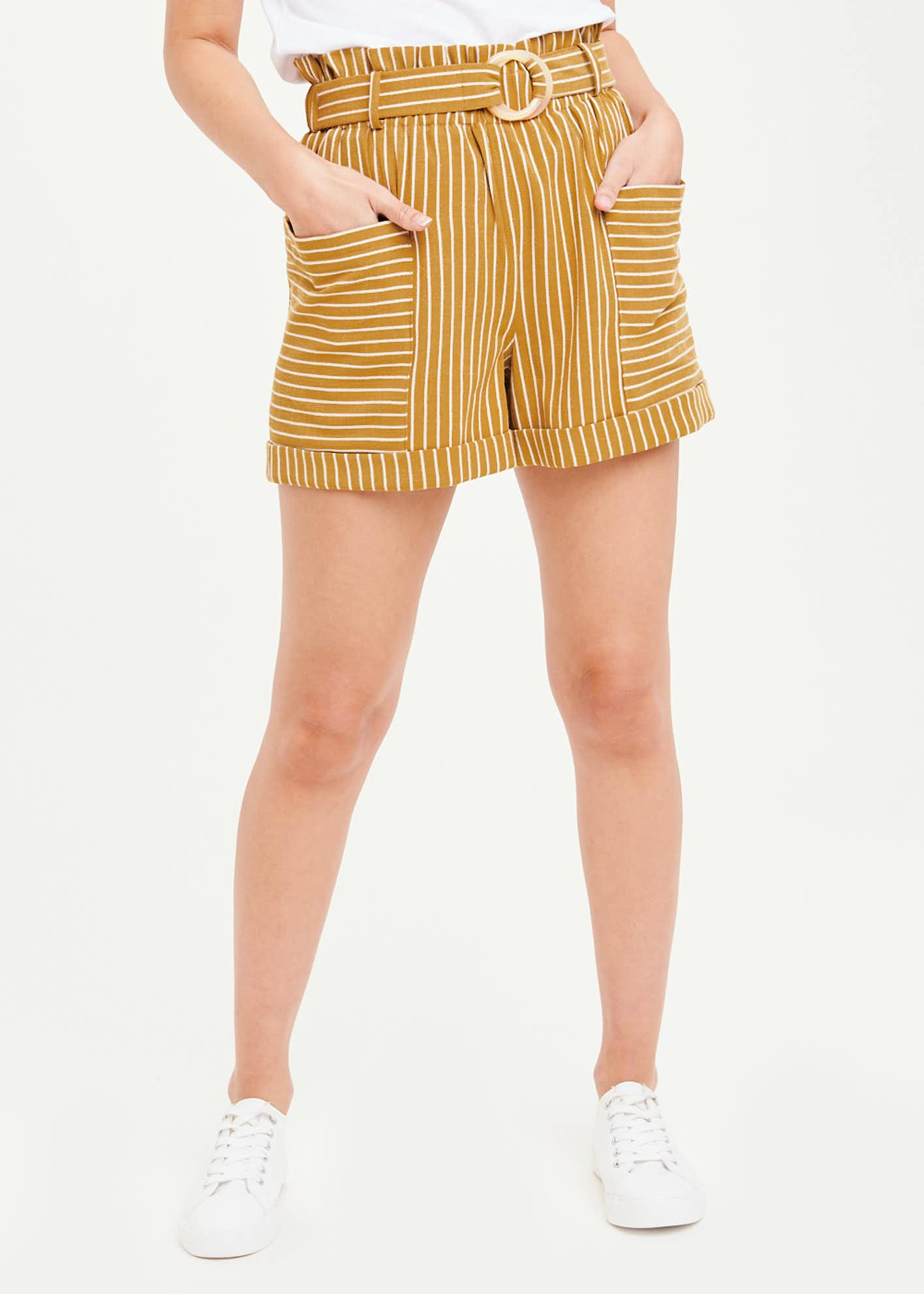 Stripe Ring Belt Shorts