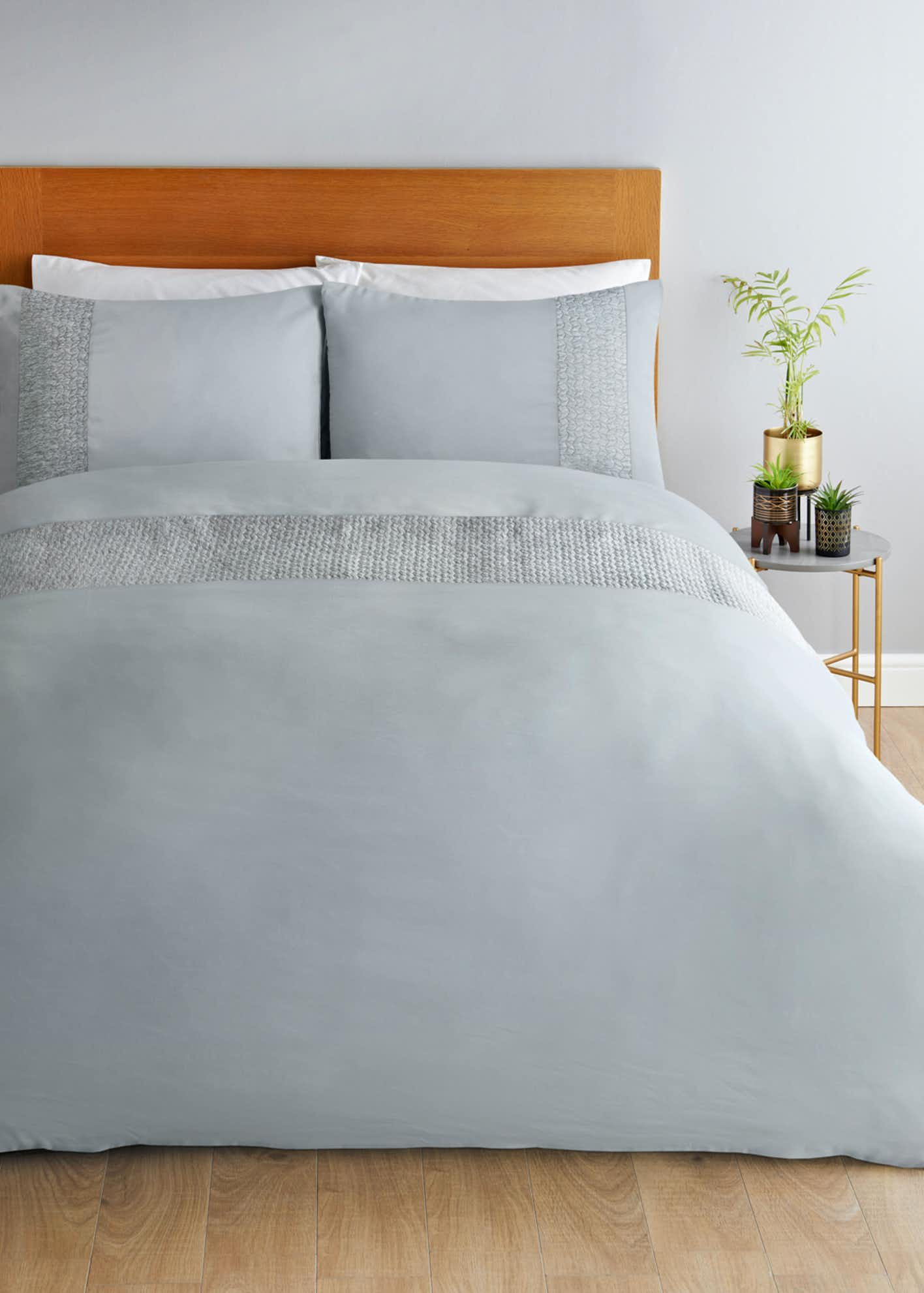 Pinsonic Panel Bedding Set