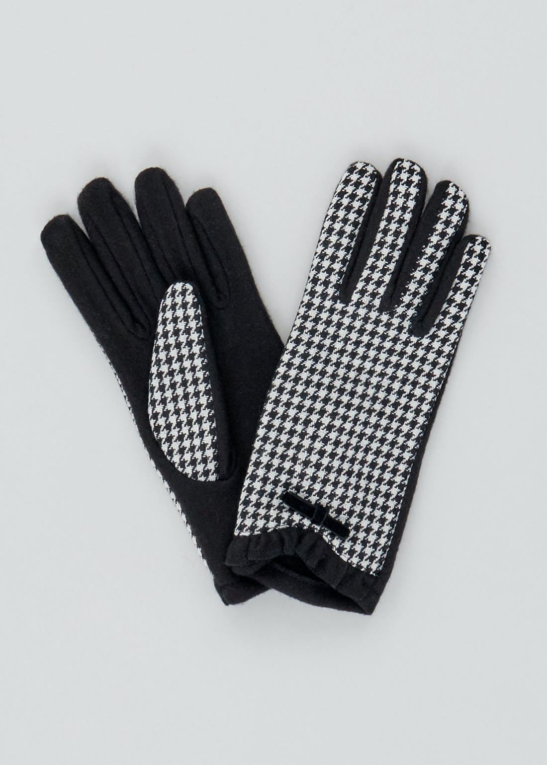Dogtooth Gloves