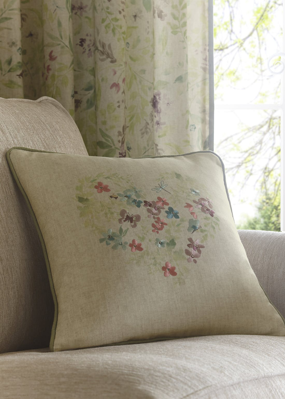Fusion Staveley Cushion (43cm x 43cm)