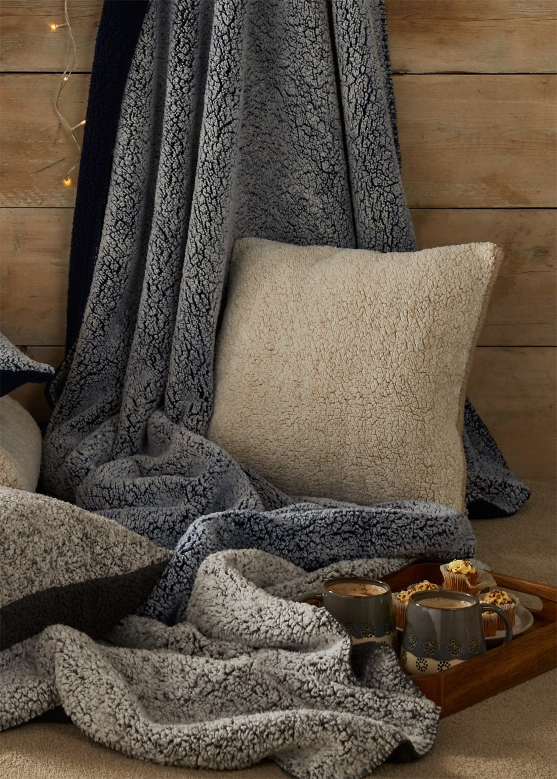 Frosted Sherpa Throw Blanket (180cm x 150cm)