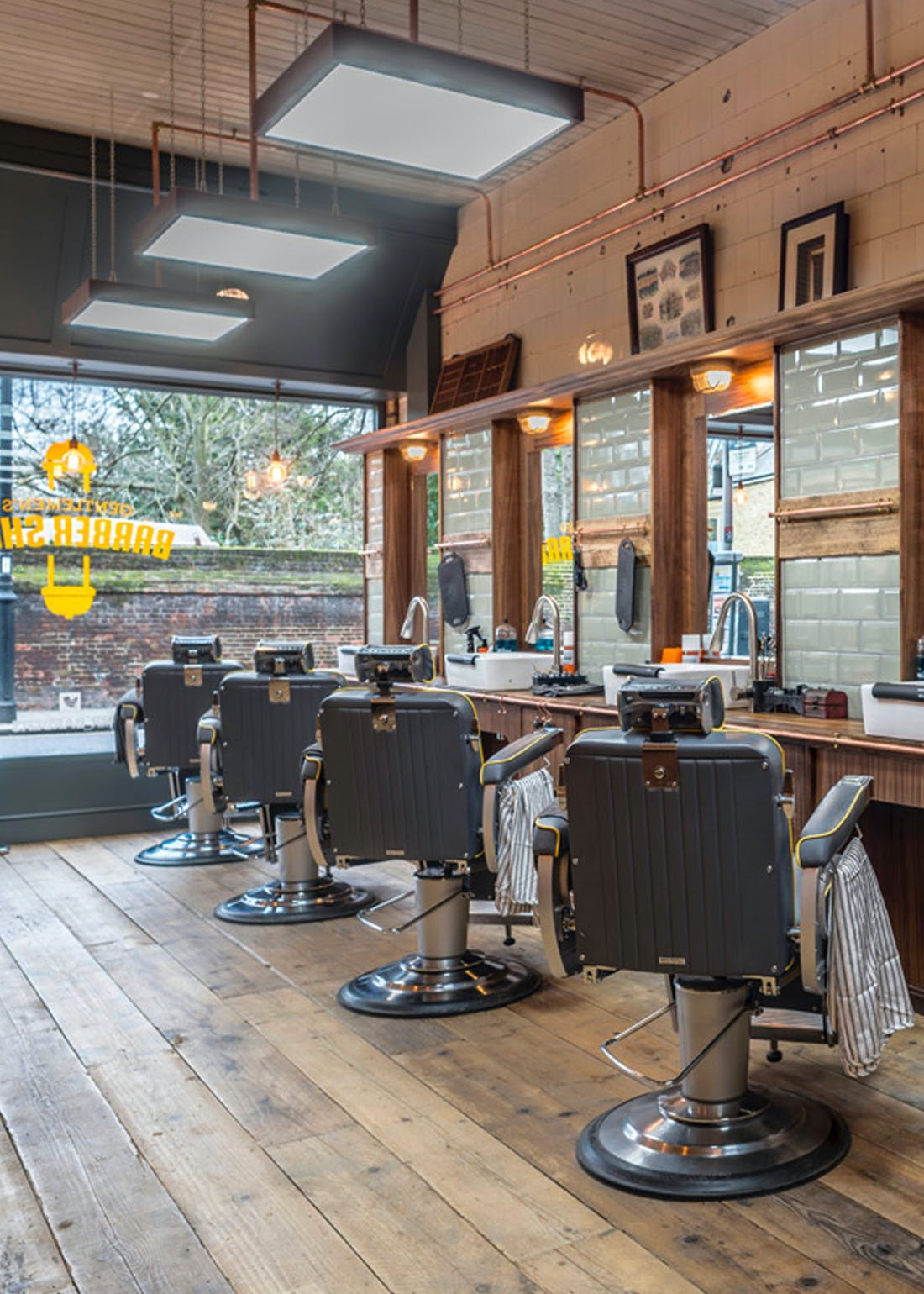 Virgin Experience Days Gentleman's Haircut & Product at MR. Barbers