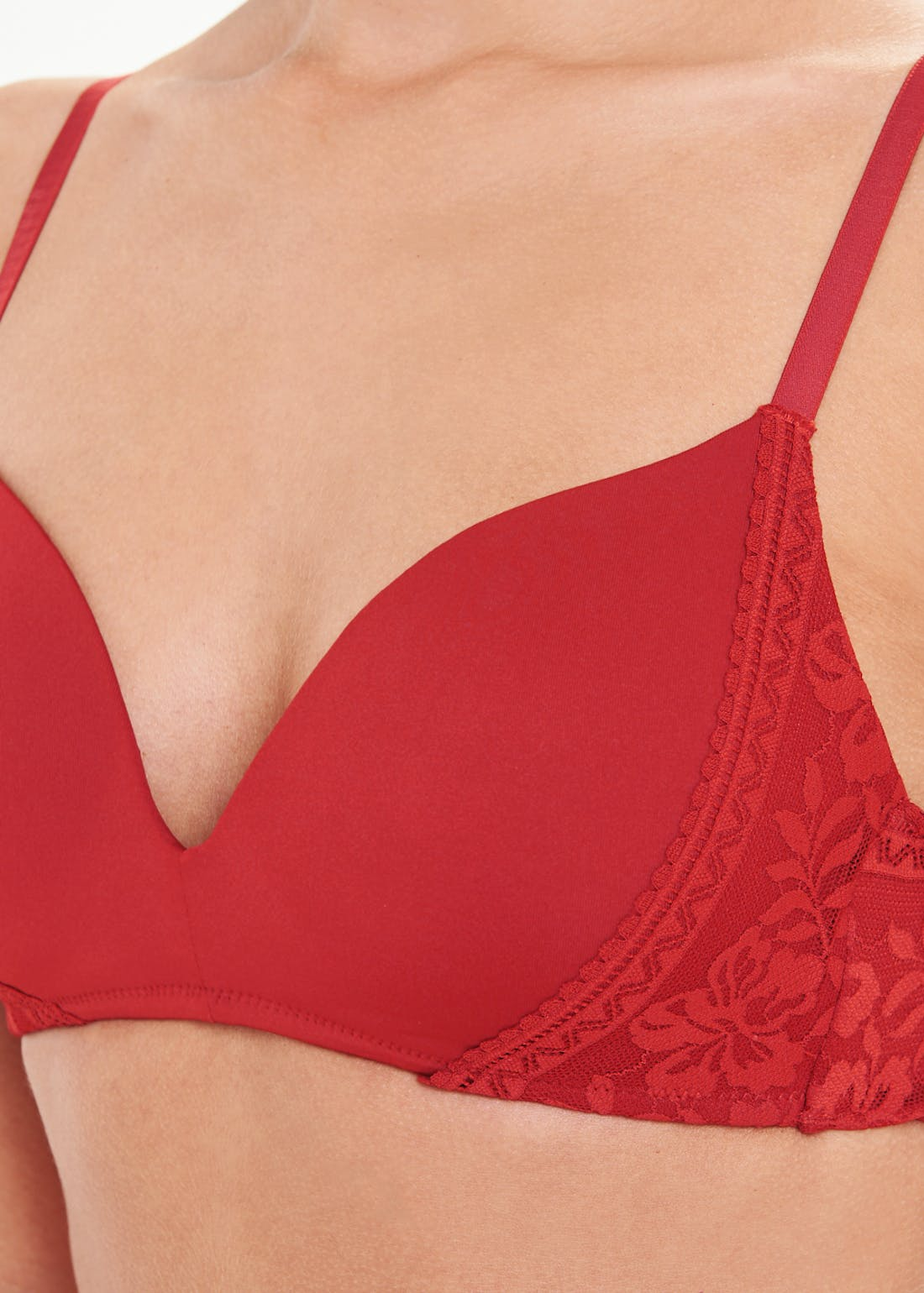 Lace Side Moulded Non-Wired Bra
