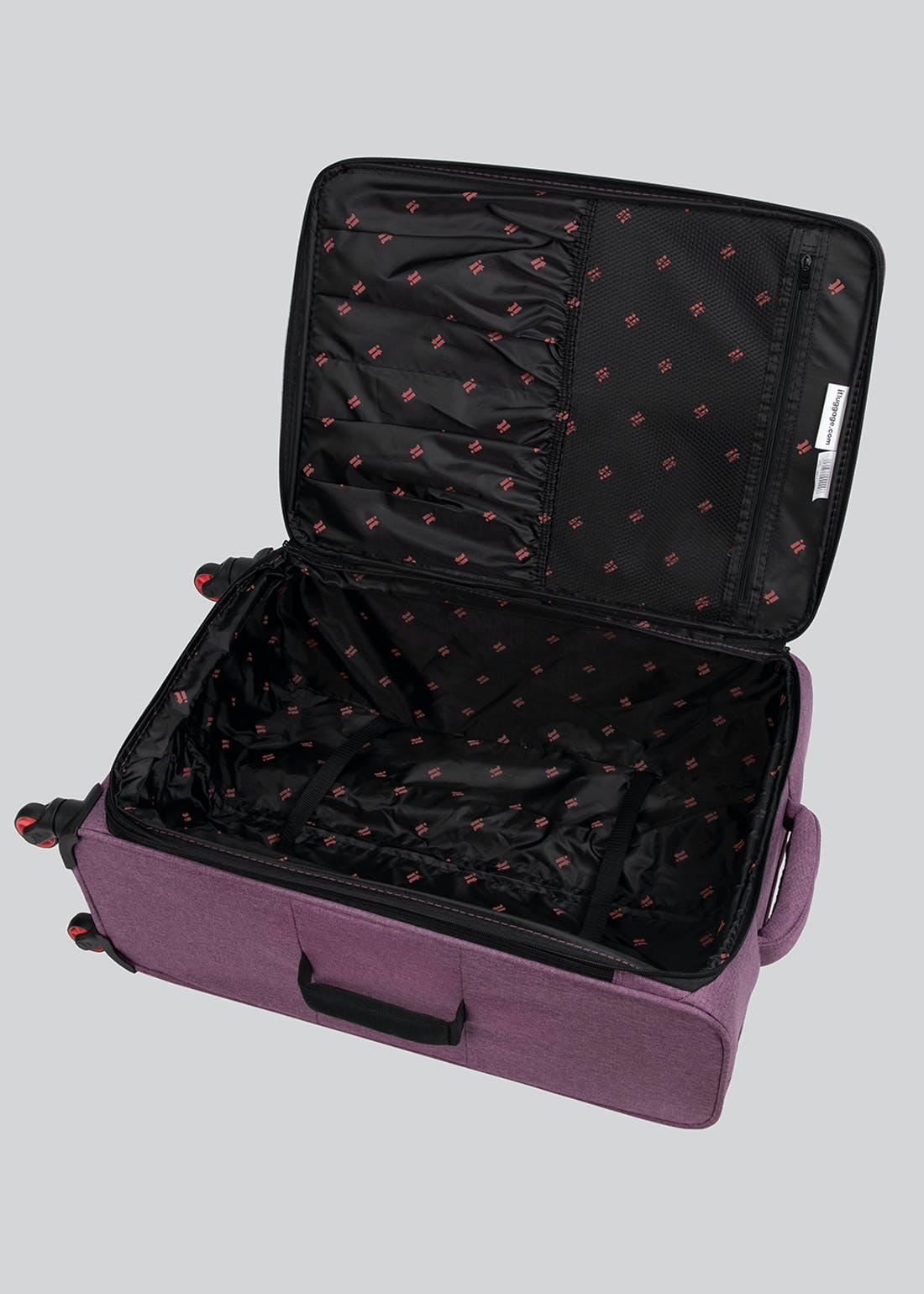 IT Luggage Exceeder Soft Suitcase