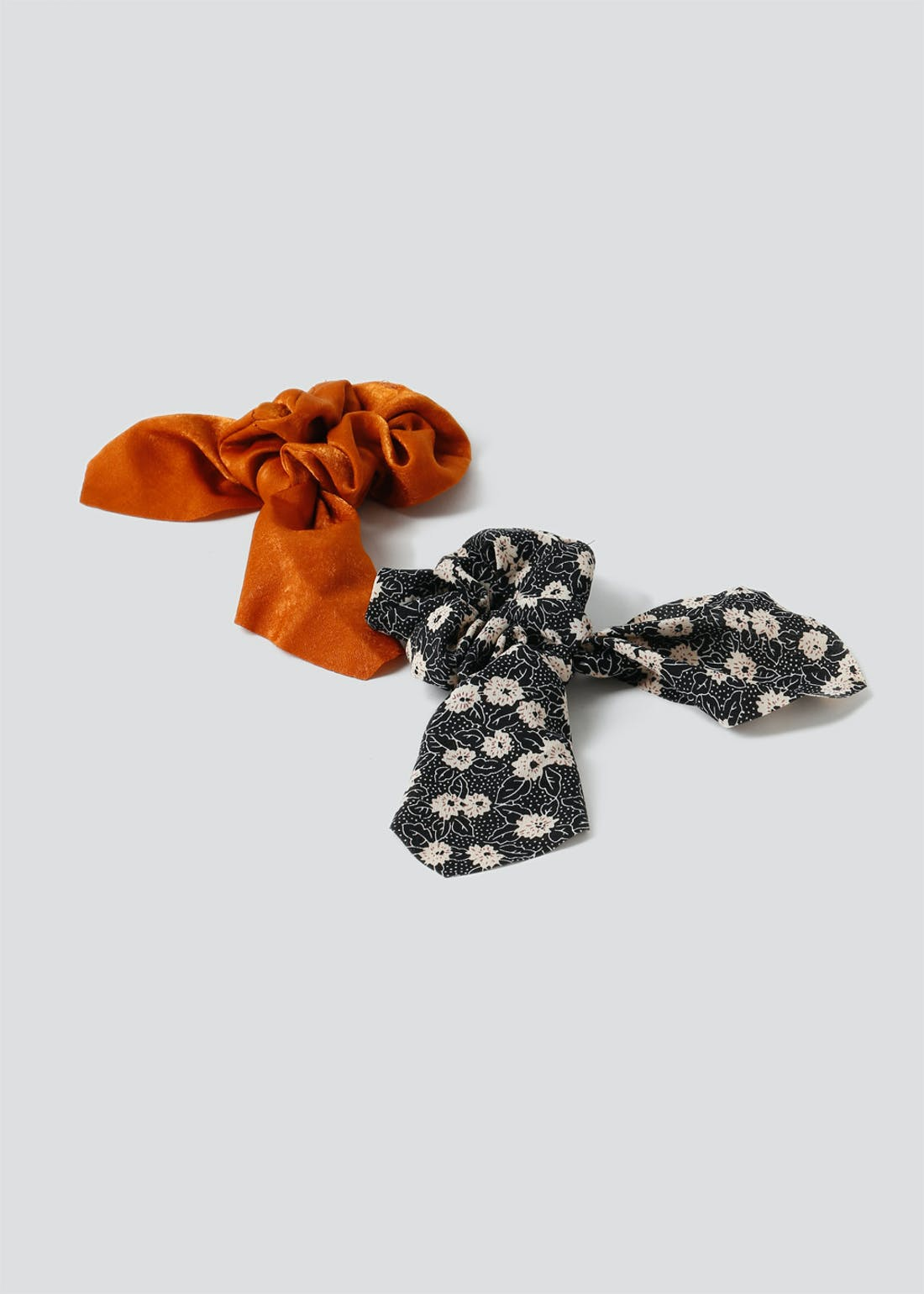 2 Pack Ditsy Floral Tail Scrunchies